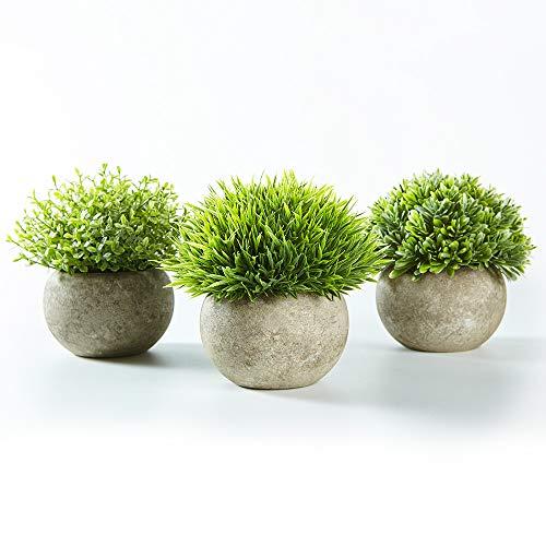 Jobary Set mit 3 künstlichen grünen Gras Pflanzen in grauen Töpfen, kleine dekorative Faux Plastik Pflanzen, ideal für Heim Büro Bad Küche und Outdoor Dekoration