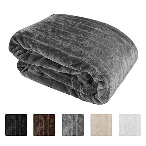 Beautissu Faux Fur Throw Mink Donella XXL 150 x 200 cm Plush Fleece Soft Polar Blanket ÖKO-TEX Seal - Anthracite