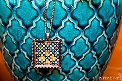 Collier avec pendentif Mosaïque Alhambra - Pendentif Photographie et Résine écologique - Mosaique multicolore - Bijoux photographiques - Cadeau pour femme - Cadeau de Noël