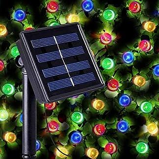 Guirnaldas Solares Luminosas de 100 LEDs Multicolor – Iluminación a base de energía solar para exteriores a prueba de agua – Luz solar con sensor nocturno incorporado, cuerdas y picos de tierra