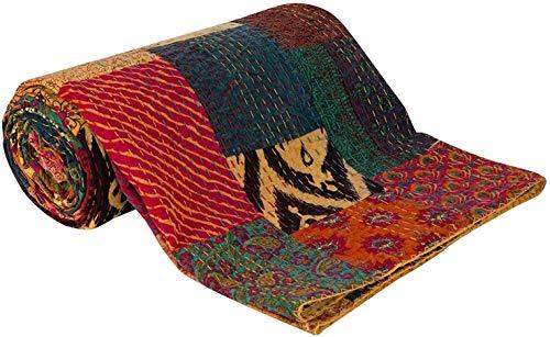 Gesteppte, klassische Decke von Sophia Art, in Handarbeit im Kantha-Stil in Rajasthani gefertigt, aus Baumwolle, wendbar