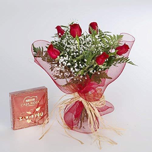 6 rosas rojas naturales y bombones
