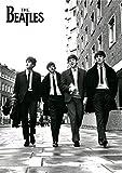 Beatles, The - In London - Musikposter schwarz-weiss Foto London Classics - Grösse 61x91,5 cm + 1 Ü-Poster der Grösse 61x91,5cm