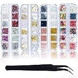 Kit di Nail Art Decorazioni in 4 Scatole di Strass Unghie Nail Art Accessori con Applicatore Brillantini per Unghie Pietre Perle Fiori 3d Mixed Disegni Colorati,Grande Piccolo