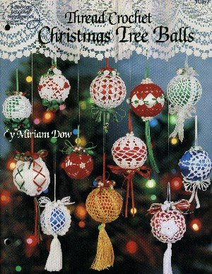 Thread crochet Christmas tree balls -