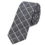 Bella cravatta stretta da uomo in numerosi colori e modelli. Le bellissime cravatte a quadri da uomo del marchio DonDon affascinano per la lavorazione di alta qualità, i bellissimi colori, il grande assortimento e la loro varietà di modelli e le molt...