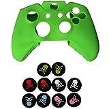 eJiasu suave de silicona de caucho piel de la caja de protección con 5 pares de estilo de cráneo joystick de silicona palo de pulgar tapa tapa de agarre para el controlador de la manija de Xbox One (1PC Verde protectora piel + 5 pares de joystick cubre)