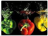 Wallario Stilvolle Glasunterlage/Schneidebrett aus Glas, Bunte Küche Paprika in rot gelb orange und grün im Wasser, Größe 30 x 40 cm, Kratzfest, aus Sicherheitsglas