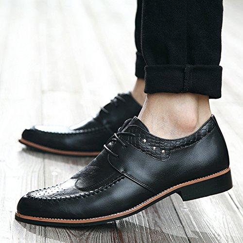 Männer Geschäftsschuhe Hochwertige echtes Leder Männer Schuhe Bullock geschnitzte Männer spitzte Schuhe Black