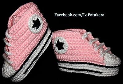 Babyschuhe häkeln, Unisex. Stil, Converse All Star. Farbe Rosa, aus 100% Baumwolle, 4 Größen 0-12 Monate. handgefertigt in Spanien. Turnschuh gehäkelt gestrickt.