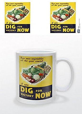 Set: Vintage, Dig For Victory Now Tasse À Café Mug (9x8 cm) + 1x Sticker Surprise 1art1®