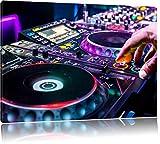 Modern beleuchteter DJ Pult, Format: 120x80 auf Leinwand, XXL riesige Bilder fertig gerahmt mit Keilrahmen, Kunstdruck auf Wandbild mit Rahmen, günstiger als Gemälde oder Ölbild, kein Poster oder Plakat