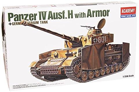 Academy 1/35Armoured Combat Tank IV Ausfür H AC13233with Armor