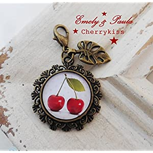 1 Anhänger rote Kirschen Rockabilly Cherry Blatt Vintage bronze farbe Cabochon Glas Karabiner Charm