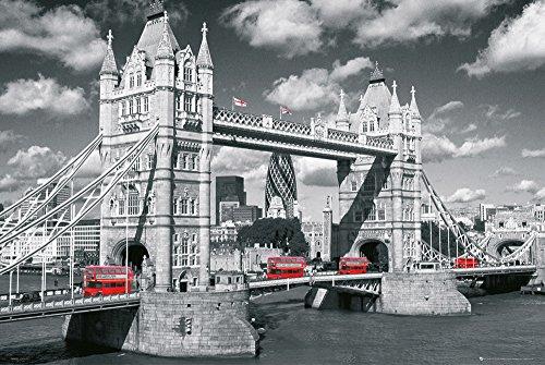 GB eye Poster London Tower Bridge mit Bussen, 61x91,5cm, Größe: Maxi