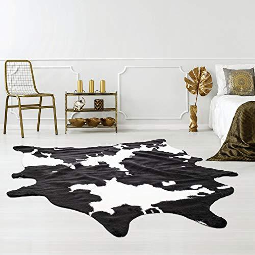 Qilim Kunstfell-Teppich tierfellförmig mit Tierfell-Optik in Kuh-Look Schwarz/Weiß, Flachflor aus Polyester mit Anti-Rutsch-Rückseite; Größe: 150x200 cm