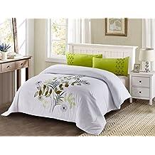 Funda Nordica bordada verde con fondo blanco 498 Cama de 150 (240x240cm)+ 2 FUNDAS DE ALMOHADA (45X85cm)Cierre con cremallera. Tejido microfibra Disponible para cama de 90, 105 ,135, 150 y 180.