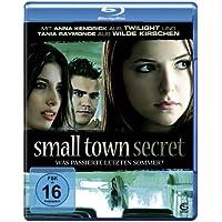 Small Town Secret - Was passierte letzten Sommer?