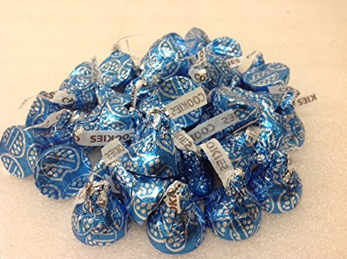 hersheys-kisses-cookies-n-creme-45-pounds-by-n-a