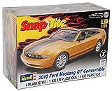 Revell Ford Mustang GT Cabrio Gold 2010 Bausatz Kit 1/25 1/24 Modell Auto mit individiuellem Wunschkennzeichen