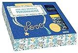 Mon joli bracelet personnalisé : Avec un livre de 24 pages, 1 cordon, du fil métallique doré, du fil métallique turquoise, 1 charm, 1 pompom, des anneaux et 1 fermoir