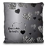 Lolapix Personalisiertes Kissen mit Namen. Tierliebe Verschiedene Ausführungen Herz Zebra