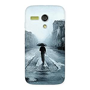 Enticing Beautiful Walking Rain Multicolor Back Case Cover for Moto G