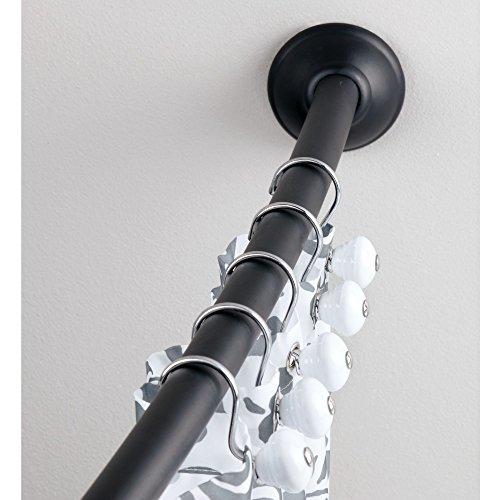 duschvorhangstange oval mDesign Duschvorhangstange gebogen – flexible Duschvorhanghalterung zur Wandmontage – Teleskop Duschstange 104 bis 183 cm – mattschwarz