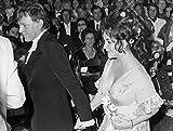 Elizabeth Taylor and Richard Burton at the Premio David Donatello awards Photo Print (10 x 8)