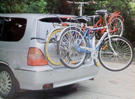 Rack Portabici Universale per Auto Berlina Due Volumi Ideale per 3 Biciclette