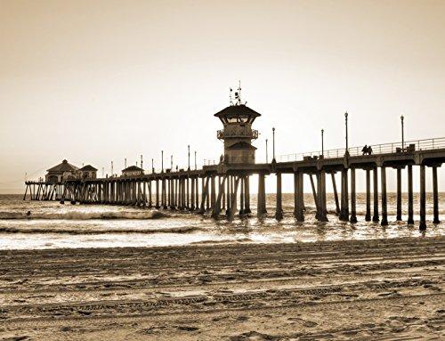 Vlies Fototapete - Huntington Beach Pier - sephia - Sepia - 130x100 cm - mit Kleister - Poster - Foto auf Tapete - Wandbild - Wandtapete - Vliestapete