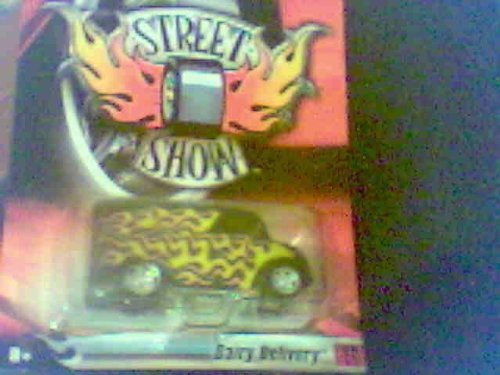 Hot Wheels - 2006 - Street Show - Sooo Fast - Red Flame Paint Job - 2 of 32 Cars - Die Cast - Limited Edition - Collectible