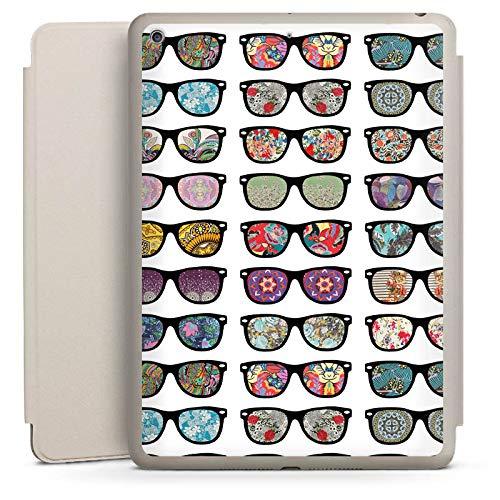 DeinDesign Smart Case Sand kompatibel mit Apple iPad 6 Hülle mit Ständer Schutzhülle Glasses Brille Hipster