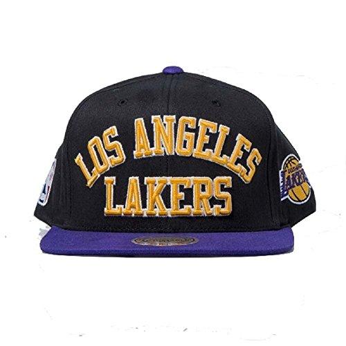 GORRA MITCHELL AND NESS NBA LOS ANGELES LAKERS KOBE BRYANT LONZO BALL 1c7746f39