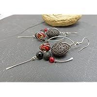 Boucles d'oreilles ethniques rouge et noir, pierres , céramique et acier inoxydable
