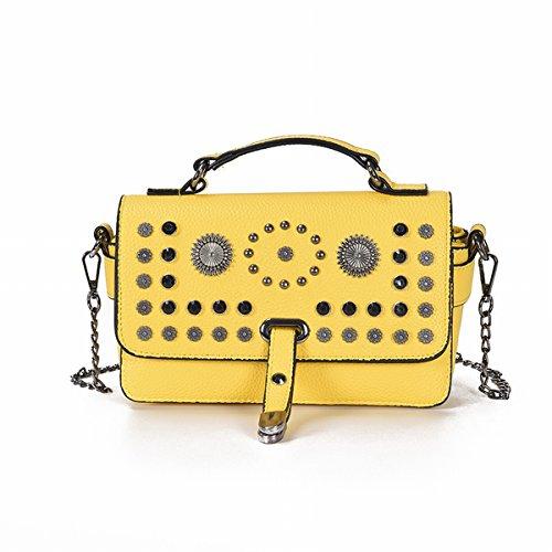 Weibliche art und weiseweide-nagelhand kleine quadratische beutelweide-schulterbeutel einfaches diagonales paket Gelb
