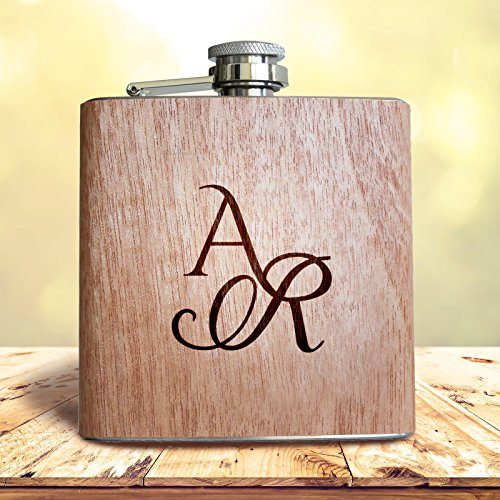 Holz Flachmann mit Gravur von eigenen Initialen! Persönliches Geschenk mit Wunsch Namen graviert.