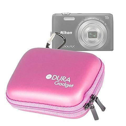 Etui coque rigide pour Nikon CoolPix S3700, S2900, S6900 et L31 appareils photo numériques compacts - couleur rose + clip d'attache par DURAGADGET