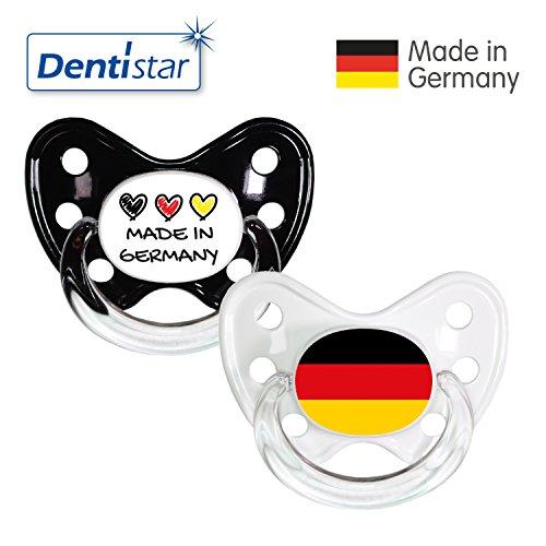 Dentistar® Silikon Schnuller 2er Set inkl. 2 Schutzkappen - Nuckel Größe 3, ab 14 Monate - Fussball Fan Kollektion – Made in Germany & Fahne