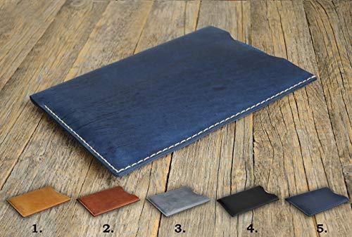 Handgenähtes Leder Etui Hülle Tasche Cover Case personalisierbar durch Prägung. Gut für Surface Go Pro Laptop 2 Book 13.5