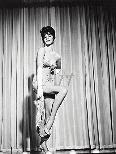Artland Qualitätsbilder I Poster Kunstdruck Bilder 30 x 40 cm Film TV Stars Foto Schwarz Weiß C4MV Zigeuner 1962 (Zigeuner-wohnungen)