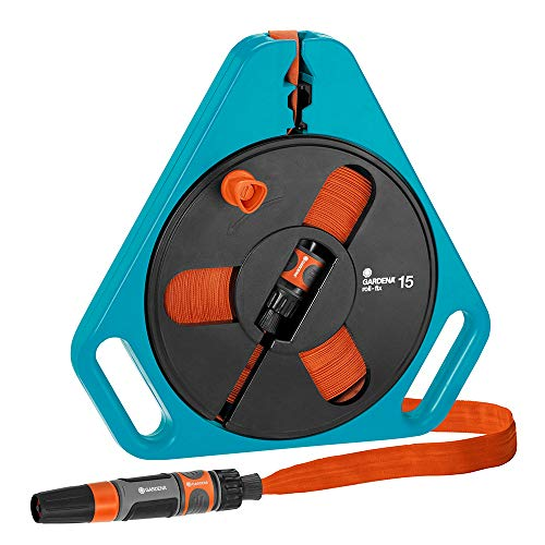 Gardena Classic roll-fix Flachschlauch 15 mit Kassette: Platzsparende Schlauchkassette mit Wasserschlauch (Ø 12 mm in Kassette), Sicherheitsautomatik, inkl. Spritze, mit Anschlussgeräten (756-20)