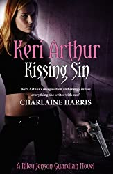 Kissing Sin: Number 2 in series (Riley Jenson Guardian)