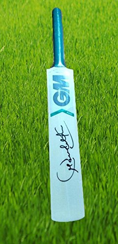 r.s.inc Cricket Bat Sign by Sachin Tendulkar not Playing
