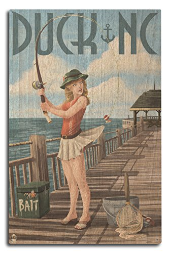 Ente, North Carolina – Pinup Girl Angeln, holz, mehrfarbig, 10 x 15 Wood Sign (Carolina North Girl)