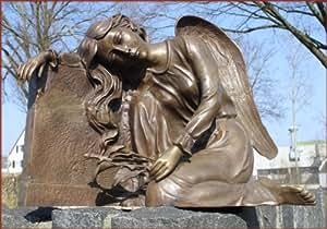 Einzigartiger Engel am Grabstein