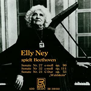 Elly Ney Plays Beethoven [Import anglais]