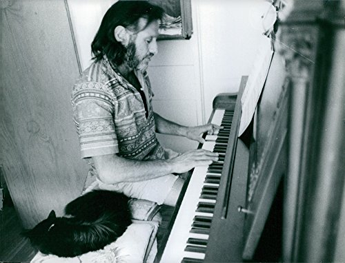 Vintage photo of Gypsy Boots playing piano, 1967. Gypsy Boots