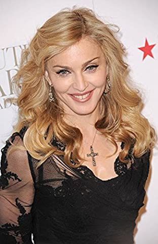 Madonna At In-Store Appearance For Truth Or Dare By Madonna Eau De Parfum Launch Photo Print (40,64 x 50,80 cm)
