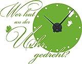 GRAZDesign 800167_BK_063 Wandtattoo Wanduhr Wer Hat an der Uhr Elegante Schrift mit Schmetterlingen (73x57cm//063 Lindgrün//Uhrwerk Schwarz)